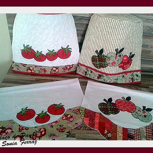 Kit cozinha #panodeprato #capadeagua #feitocomcarinho#patchwork #bysoniaferraz
