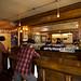 Réplica dos agitados sallons (bares)