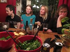 IMG_8903 (grindove) Tags: chips mat sallad elin johanna johan öl mikal