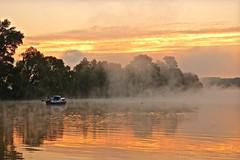 Sonnenaufgang (izoll) Tags: wasser nebel outdoor sony fluss sonne rhein sonnenaufgang morgen sonnenstrahlen stille ruhe morgendmmerung derrhein nebelstimmung alpha380 izoll