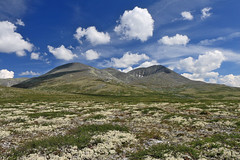 Norway - Rondane National Park (Michael.Kemper) Tags: voyage park cloud travelling norway clouds canon eos norge is hiking norwegen wolke wolken hike national usm sel efs f28 wandern peer rondane reise wanderung 30d randonnée 1755 randonnee gynt oppland canoneos30d høvringen canonefs1755f28isusm
