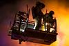 lmh-rundtjernveien109 (oslobrannogredning) Tags: bygningsbrann brann brannvesenet brannmannskaper slokkeinnsats brannslokking brannslukking stigebil lift høydemateriell arbeidihøyden arbeidpåtak taksikring hulltaking brannlift