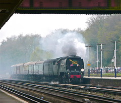 Weybridge (Deepgreen2009) Tags: weybridge charter private station platfrom brassband royalscotsman mixture old wooden coaches occasion steam uksteam preserved tangmere bulleid 34067