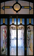 Canet de Mar - Ample 11 e (Arnim Schulz) Tags: modernisme modernismo barcelona artnouveau stilefloreale jugendstil catalua catalunya catalonia katalonien arquitectura architecture architektur building edificio btiment gebude spanien spain espagne espaa espanya belleepoque stained glass vidrieras vitralls vitrage vidrier vitrail glas glasfenster art arte kunst baukunst gaud liberty