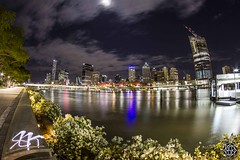 South Bank (MISHKA Vision - Light Graffer) Tags: australie australia lightpainting lightgraff longexposure expositionlongue nightphotography roadtrip