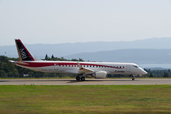 MRJ prototype No. 2 - 3 (HAMA-ANNEX) Tags: 能登空港 mrj mitsubishi airplane aircraft è¼ªå³¶å¸ ç³å·ç æ¥æ¬ jp k1 smcpentaxda★300mmf4edifsdm