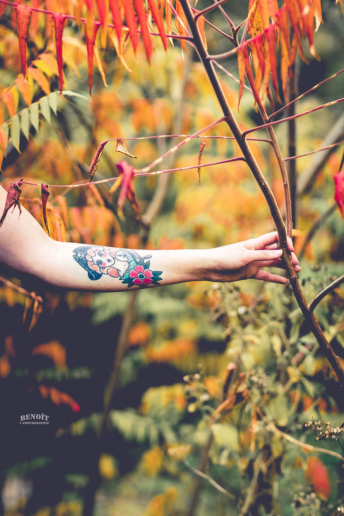 The world 39 s best photos of france and jambes flickr hive mind - Tatouage femme sensuelle ...