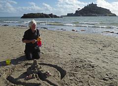 5Fri DT&Dee Sand Castle8 (g crawford) Tags: penzance cornwall marazion stmichaelsmount crawford sandbeach sandcastle dangerted ted teddy teddies dt dee bucket spade