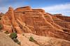 Paysage de roches rouges (Vero Tanguay) Tags: archesnationalpark étatsunis utah nature extérieur formationrocheuse paysage