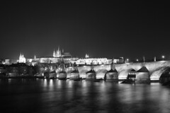 Karlův most (Fredosingas) Tags: karlův most charles bridge praha prague czechrepublic česko longexposure blackwhite bw river europe