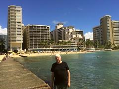 Tommy i Honolulu (tompa2) Tags: tommy waikiki honolulu hawaii vatten hav hotell höghus