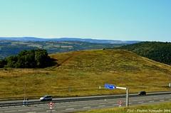 NKN_9333_GF (Phil-PhotosNomades) Tags: viaducdemillau viaduc aveyron occitanie midipyrénées valléedutarn pontàhaubans pont autoroutea75 a75 causserouge caussedularzac panorama eiffage massifcentral creissels france larzac