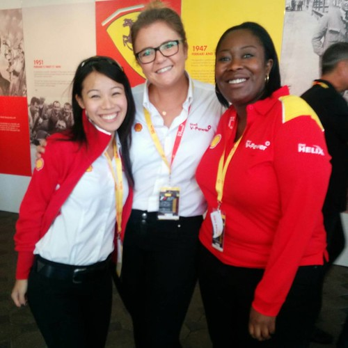 This is the *fabulous* team from @@shellmotorsport that are looking after us so well and making things happening. Thank you!!!