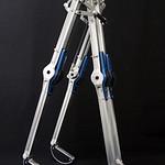 受動歩行ロボットの写真