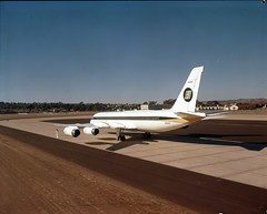 Convair 990 ground (San Diego Air & Space Museum Archives) Tags: airplane aircraft aviation airlines coronado airliners convair convair990 cv990 convaircoronado convaircv990coronado convaircv990 convair990coronado n5601