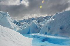 Glaciar adentro (EmilioMDQ) Tags: santa blanco argentina nikon paisaje mini cruz nubes sur laguna glaciar perito moreno frio hielo calafate adentro unico treeking 18140