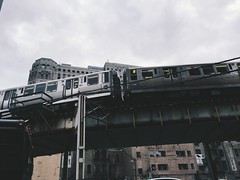 (visualmonk) Tags: city chicago train el merchandisemart elevatedtrain chitecture