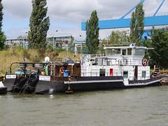 Chris-Tho (ENI 04031450) (Parchimer) Tags: towboat pushboat binnenschiff duwboot pousseur schubboot elbehavelkanal pchacz spintore empurradorfluvial tolómotorhajó