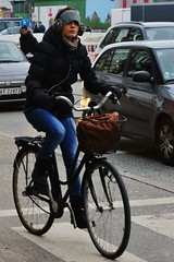 I want to ride my bicycle (os♥to) Tags: sony alpha77 a77 slt january2016 bicycle bike bici vélo rower bicicleta fietssykkel cykel velo fahrrad street streetphotography candid people