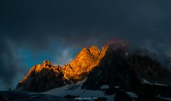 Luminance sur les Aiguilles du Tour 1/3 (Frdric Fossard) Tags: paysage montagne nature aiguillesdutour nuage lumire ombre ambiance atmosphre dramatique rocher formationrocheuse arte crte glacier alpes soir coucherdesoleil hautesavoie massifdumontblanc contraste luminance luminosit