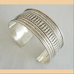IMG_0332 (Tuareg Jewelry) Tags: tuareg jewelry jewellery finesilver silver ebony bracelets tuaregjewelry tuaregjewellery