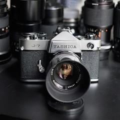 Yashica J-7 with Auto Yashinon-DX 50mm/1.7 lens (IamWadidiz) Tags: yashica yashinon yashinondx tomioka tomiokaoptics vintagelens vintageslr vintagecamera cameraporn