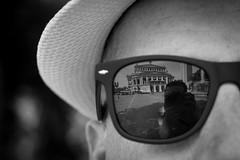 Through the Eyes of a Friend (Luc) (parenthesedemparenthese@yahoo.com) Tags: dem allemagne bw blackwandwhite ete frankfurt germany nb noiretblanc opera photographer reflection selfie ami blancoynegro bn byn canoneos600d chapeau ef50mmf18ii friend glasses hat holidays lunettes reflexion summer vacances
