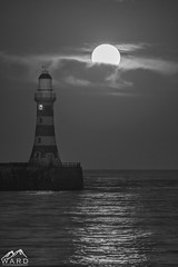 moonrise (timothytripod) Tags: moon moonrise roker pier piers water sea sunderland northeast coast coastal astrology astronomy explore