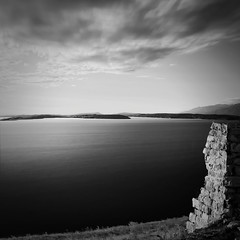 dalmatian coast (ernesto1de) Tags: adria dalmatia blackandwhite croatia exposure sea long monochrome square seascape water