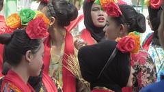 IMG_6099 (kayreal) Tags: girls woman girl beauty festival indonesia women traditionalart indah asiangirl wanita 2015 cantik blora agustusan gadis cewek indonesiangirl demosntrasi pertunjukan barongan beautufiul senitradisional khairiladi festivalbarongan sma1blora smktunjungan