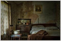 Abandoned bedroom (ducatidave60) Tags: abandoned fuji decay fujifilm dereliction fujinonxf23mmf14 fujixt1