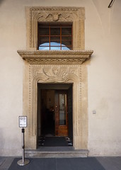 Krakov, Wawel (111) (ladabar) Tags: doorway portal kraków cracow cracovia krakau krakov dveře portál