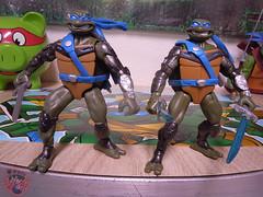 """Nickelodeon """"HISTORY OF TEENAGE MUTANT NINJA TURTLES"""" FEATURING LEONARDO -  'TMNT : FAST FORWARD'  LEONARDO iii (( 2015 )) (tOkKa) Tags: 2005 toys comic 1988 2006 1993 1992 leonardo figures toysrus 2012 2007 teenagemutantninjaturtles tmnt nickelodeon 2014 2015 displaystand playmatestoys ninjaturtlesthenextmutation toysrusexclusive tmntfastforward toontmnt tmntmovie4 turtlemilkstudios eastmanandlairdsteenagemutantninjaturtles moviestartmnt varnerstudios toonleo paramountteenagemutantninjaturtles 4kidstmnt paramountsteenagemutantninjaturtles tmnt2003 historyofteenagemutantninjaturtlesfeaturingleonardo davearshawsky tmnt2014movie"""
