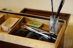 Supplies (6079 Jones,P) Tags: depthoffield yongnuo50mmf18 mottisfont national trust romsey hampshire img4383 paint brush jar drawing pins artists box painters palette