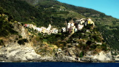 (bobbat) Tags: corniglia cinqueterre liguriansea italia italy liguria unescoworldheritagesite nationalpark sea summer rocks mountains
