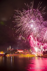Krakòw (Rolandito.) Tags: poland polen polska pologne crocow cracovie krakòw krakau europa europe fireworks feuerwerk nacht night wawel castle river weichsel
