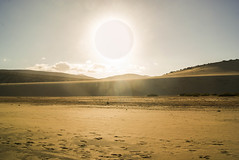 Sol (Josué Godoy) Tags: sol coucherdesoleil soleil puestadesol sunset sun sunlight desert desierto arena sand sable fuerteventura canary canarias calma calme verano summer été jandia lansdcape paisaje paysage