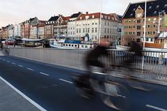 Fast People on the Fast Bicycles (valerio.uberti) Tags: kobenhavn bike street danmark