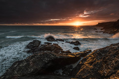 Sunset at Pentire (r_lizzimore) Tags: waves pentiresteps seascape sunset cornwall uk sea
