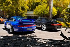 Porsche 911 Carrera (993) & 911 GT2 (993) (Jeferson Felix D.) Tags: porsche 911 carrera 993 porsche911carrera993 porsche911carrera gt2 porsche911gt2993 porsche911gt2 porsche911 canon eos 60d canoneos60d 18135mm rio de janeiro riodejaneiro brazil brasil worldcars photography fotografia photo foto camera automotive automotiva automotivo car cars carro carros