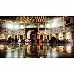 #Repost Photo by :@arielmaranoes Jumuah mubarak 👳 #happyfriday #tgif #jumuah #mubarak #shalatjumat #ibadah #moslem #muslim #kotaserang #serang #masjid #albantani #kp3b #Banten #Indonesia . http://kotaserang.net/1J24vh9 (kotaserang) Tags: by indonesia photo muslim tgif masjid repost mubarak moslem serang ibadah happyfriday banten jumuah albantani 👳 kp3b kotaserang instagram ifttt shalatjumat httpwwwkotaserangcom arielmaranoes