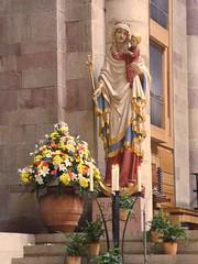 Ave Maria (Django_ Reinhardt Walter) Tags: statue maria religion kirche chiesa figur kloster andacht jesuskind