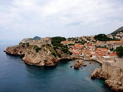 Lovrijenac (BobJewers) Tags: blue roof red sea bay overcast dubrovnik lovrijenac olympuse420 bobjewers