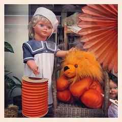 #oranje #leeuw #pop #matroos #lampion (Marcel van Gunst) Tags: pop lampion oranje leeuw matroos uploaded:by=flickstagram instagram:photo=44252966990470910455328948