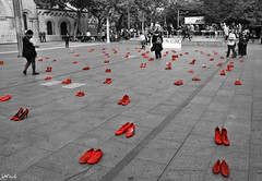 """""""Zapatos Rojos"""" contra la violencia machista (jujuchiches) Tags: old city trip travel friends light boy red sky blackandwhite bw music woman sun white black amigos flower cute art boys colors girl beautiful look sex architecture work vintage buildings walking lens happy shoe freedom fly dance amazing eyes shoes holidays exposure shadows looking friendship photoshoot shot wind sweet walk lisboa live handsome tranquility happiness paisaje location highlights silouette exposition photograph feeling lovely favs equality elegance"""