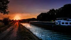 La Sambre et la pniche-sunset (Yasmine Hens) Tags: coucherdesoleil sunset hensyasmine namur belgium wallonie europa aaa belgi belgia belgien  belgique blgica   belgie  belgio    bel be