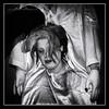 Sustos y leyendas (Unos y Ceros) Tags: blancoynegro nochedebrujas miedo canguelo pasajedelterror espanto susto acojone pánico horror tembleque pavor sobresalto angustias sorpresa tormento congoja zozobra intranquilidad ansiedad apuro pesadilla penalidad reconcomio desazón resquemor angustia alucinaciones nochedeánimas trucotrato disfraces aviaparklamuela fiestadelanoche zaragoza aragón textura pinturaluz unosyceros 2016 lightroom nikond700 zaragonés zaragoneses europa unióneuropea ue invarietateconcordia