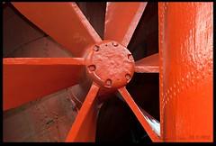 Propeller and Rudder (zweiblumen) Tags: propeller rudder ssgreatbritain ship brunel bristol england uk museum canoneos50d canonef50mmf14usm canonspeedlite430exii polariser lumiquestpocketbouncer zweiblumen