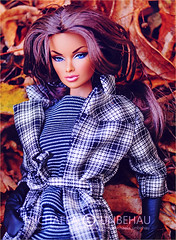 Anja (Michaela Unbehau Photography) Tags: doll anja in sequins 2013 premiere convention fashion royalty integrity toys fall autumn herbst coat trench overknees michaela unbehau
