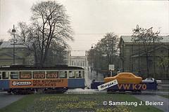 Mnchen 1970 Werbetram VW K70 (Pacific11) Tags: mnchen munich 1970 1971 vintage alt selten bilder bayern tram trambahn werbewagen vw k70 dwagen karolinenplatz